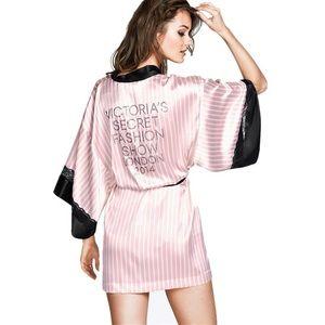 Victoria's Secret Fashion Show London 2014 Robe